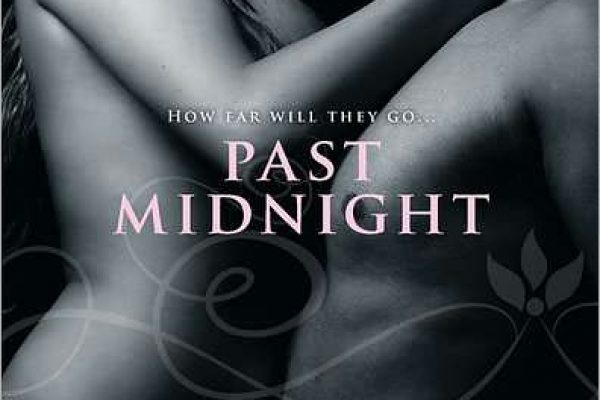 Review: Past Midnight by Jasmine Haynes