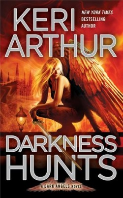 ARC Review: Darkness Hunts by Keri Arthur
