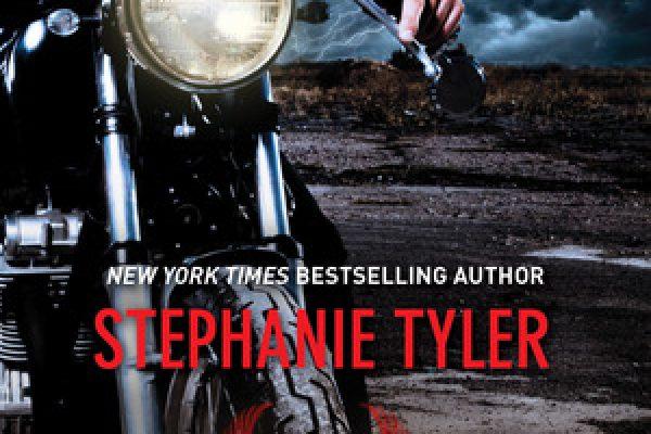 ARC Review: Defiance by Stephanie Tyler