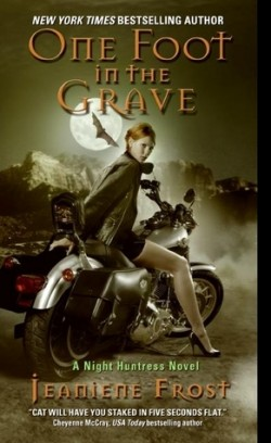Review: One Foot in the Grave by Jeaniene Frost
