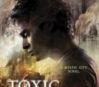 Review: Toxic Heart by Theo Lawrence