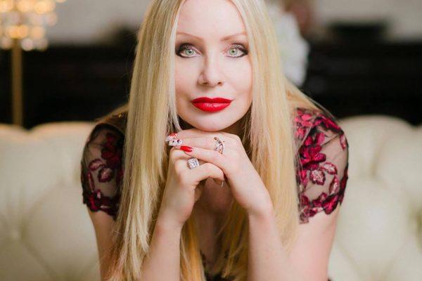 Interview + Giveaway with Karen Marie Moning!