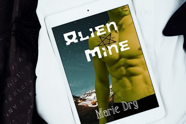 Review: Alien Mine by Marie Dry