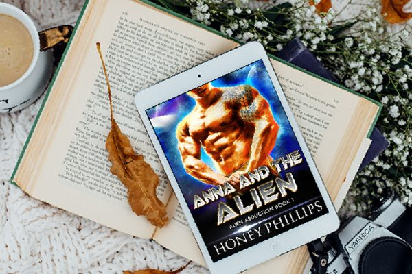 Review: Anna and the Alien by Honey Phillips