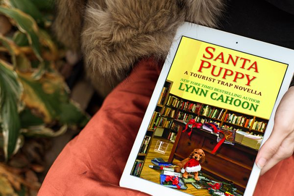 ARC Review: Santa Puppy by Lynn Cahoon